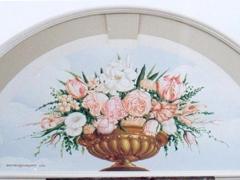Lunetta con vaso di rose